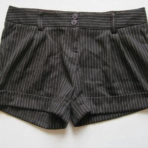 Womens Dress Shorts L Striped Pleated GADZOOKS